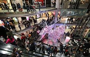 Канадцы потратят рекордно много денег на праздники