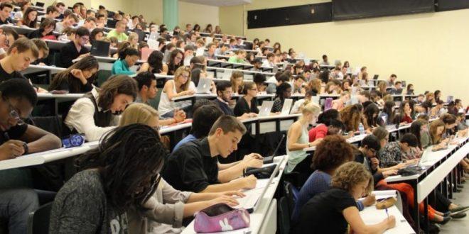 Исследование: немногие выпускники государственных школ идут в университеты