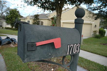 COVID-19: Для защиты почтальонов от коронавируса дезинфицируйте почтовые ящики