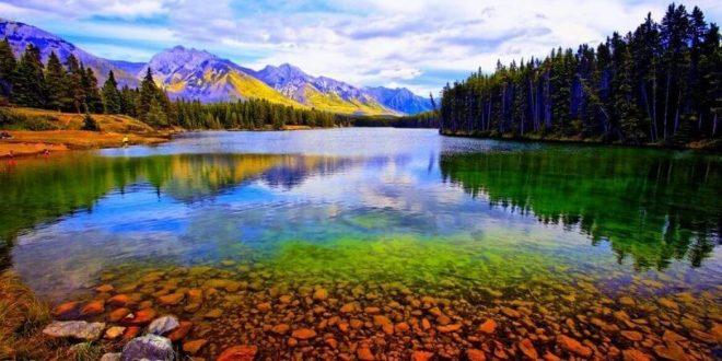 Канадские власти помогают внутреннему туризму