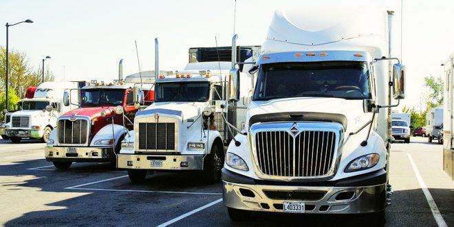 Канадские дальнобойщики отказываются ездить в США