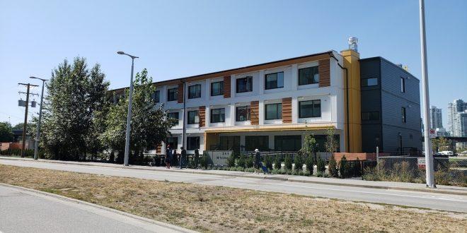 Федеральное правительство потратит более $1 млрд на строительство модульного жилья и отели для бездомных