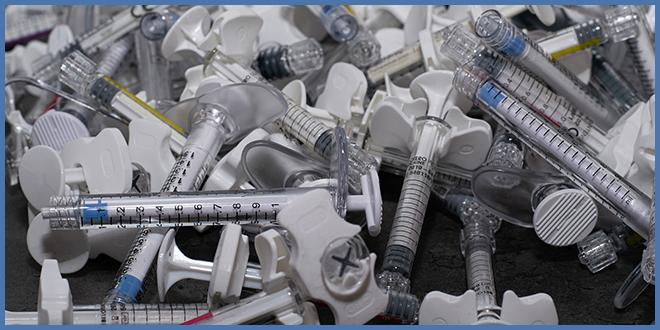 В Квебеке сделано более 200 тысяч прививок от COVID-19