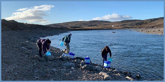 Доставка воды самолетом и пайки на семью: что происходит в Икалуите